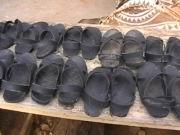 Sandalen aus alten Autoreifen