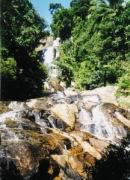 80m Wasserfall Na Muang