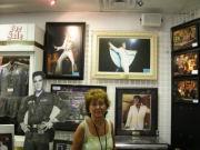 ...und im Elvis-Museum!