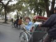 Ilse fährt in einem Cyclo